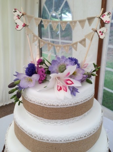 Bunting just married wedding cake topper www.ohsoperfect.co.uk