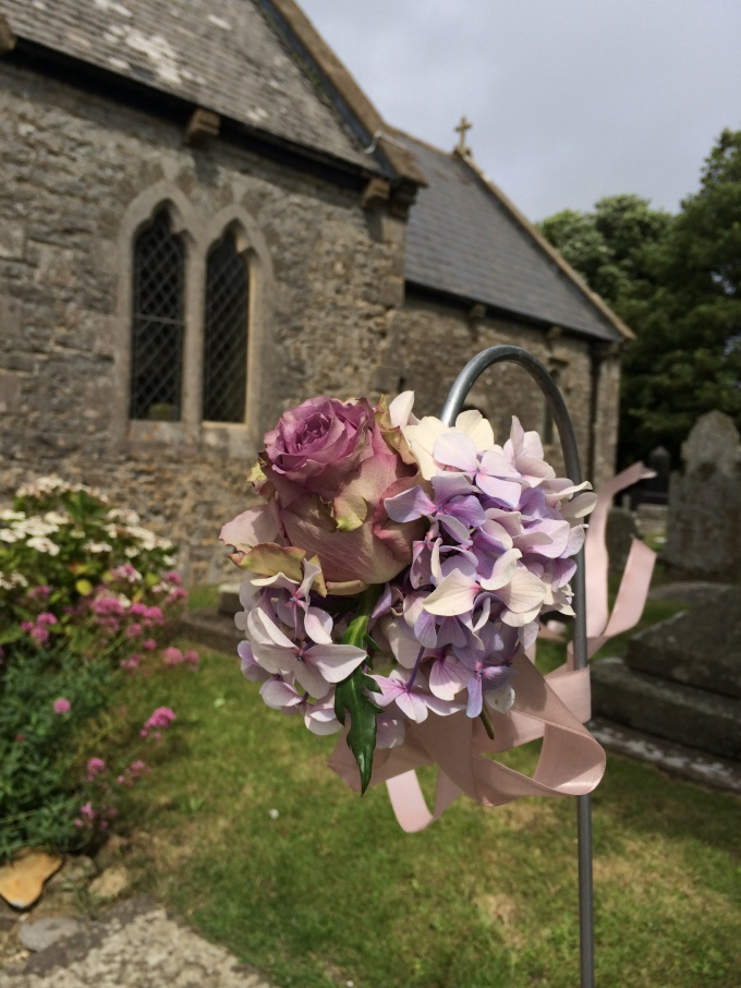 Wedding Gift Etiquette Cash Uk : UK celebrant wedding planner wedding gift etiquette advice